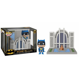 Funko POP! Town - Batman 80th Anniversary Vinyl Figure Set - BATMAN with the Hall of Justice #09